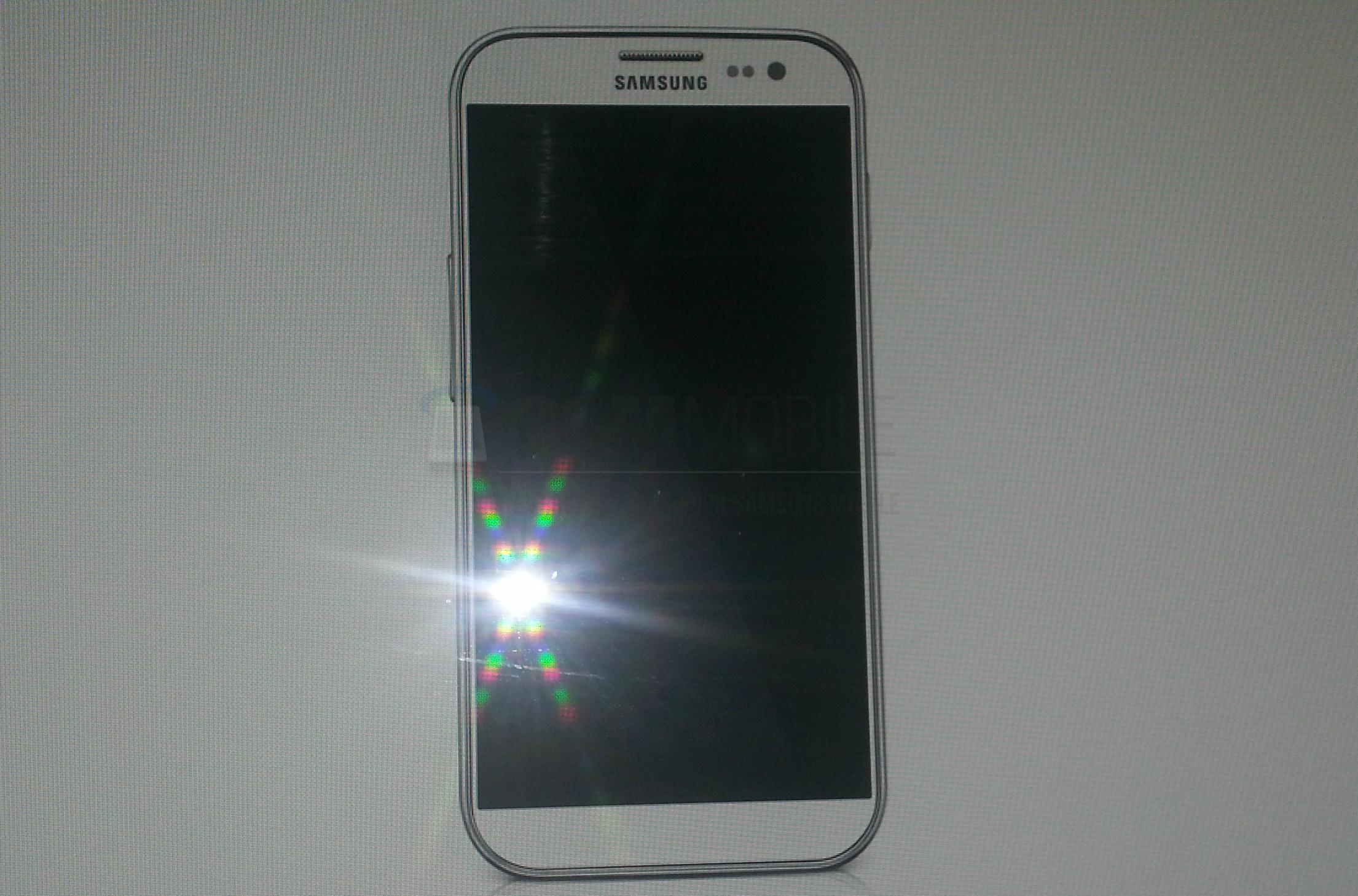 В сети появилось фото грядущего Samsung Galaxy S4 но насколько оно соответствует действительности