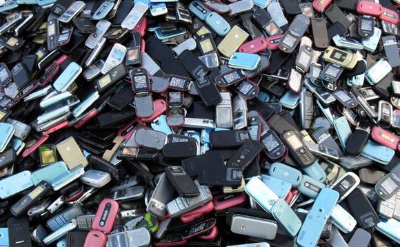 Количество телефонов превысит население планеты к концу 2013 года