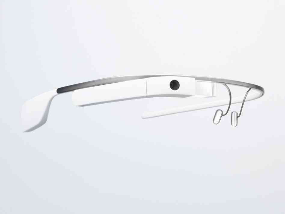 Первые счастливчики получат свои очки Google Glass совсем скоро!