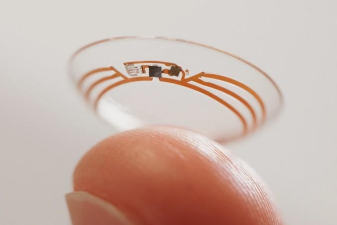 Компания Google трудится над созданием контактных линз, которые будут определять уровень глюкозы в организме