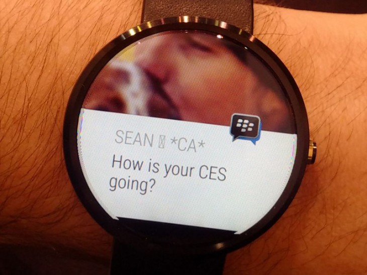 BBM обзавелся поддержкой Android Wear